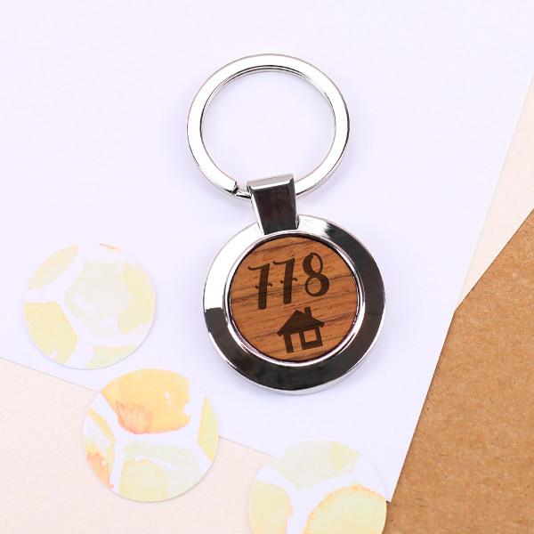 Runder Schlüsselanhänger mit Ihrer Hausnummer