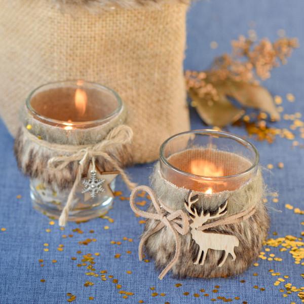 2 Glas-Kerzenhalter mit Fell: Holzstern und Rentier