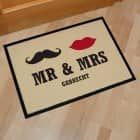 Mr & Mrs Fussmatte mit Familienname