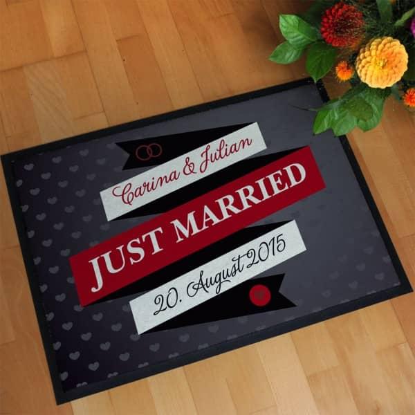 Hochzeitsfussmatte mit den namen des Paares