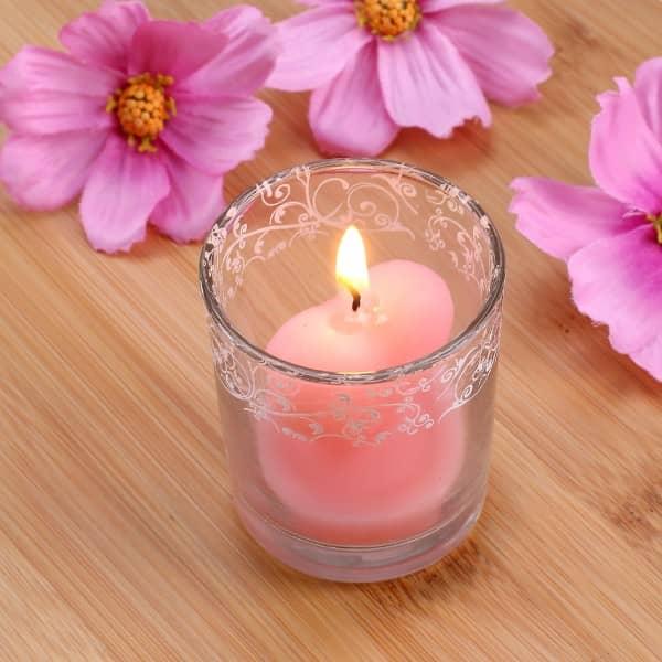 kleine herzf rmige rosa kerze im glas. Black Bedroom Furniture Sets. Home Design Ideas