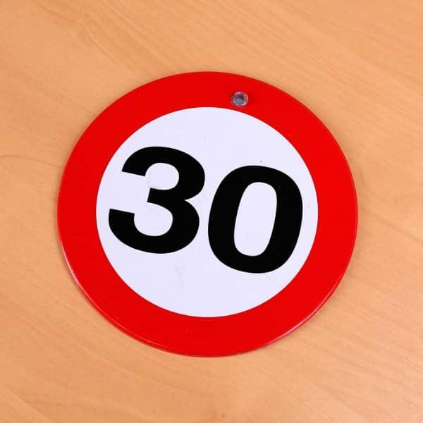 rundes Metallschild zum 30. Geburtstag
