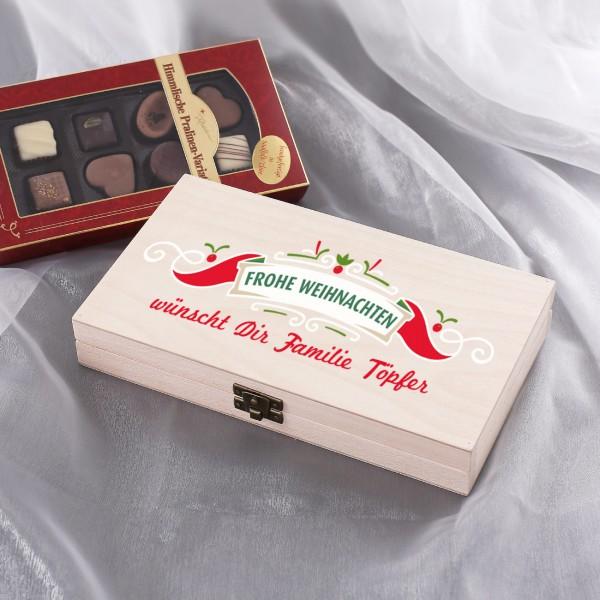 Pralinen in weihnachtlicher Holzkiste mit Wunschtext
