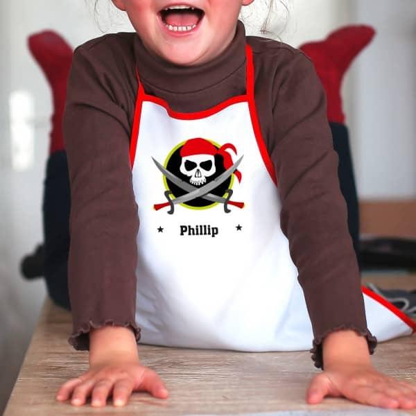 Kinderschürze mit Namen und Piraten-Motiv