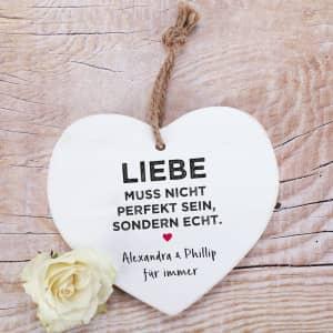 Herz aus Holz zum Valentinstag mit Text