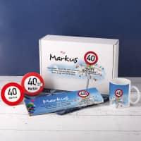 Geschenkbox zum 40. Geburtstag mit Verkehrszeichenmotiv