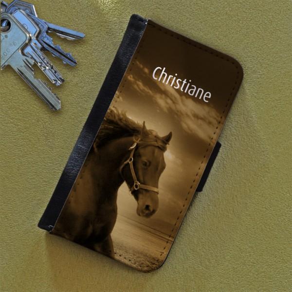 Flipcase mit Pferdemotiv in Brauntönen und Ihrem Wunschnamen