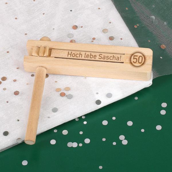 Holzratsche zum Geburtstag mit Verkehrszeichen und Wunschtext