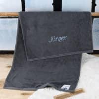 Handtuch in schiefergrau mit Name bestickt, 3 Größen auswählbar, Badetuch, Gästehandtuch