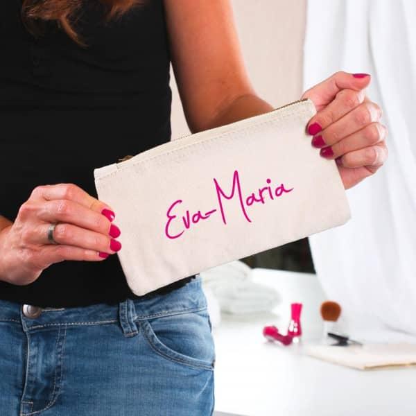Kleine Handtasche mit Ihrem Wunschnemn in pink bedruckt