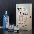 Gin-Geschenkset in bedruckter Holzkiste mit zwei Gläsern und Bombay Gin