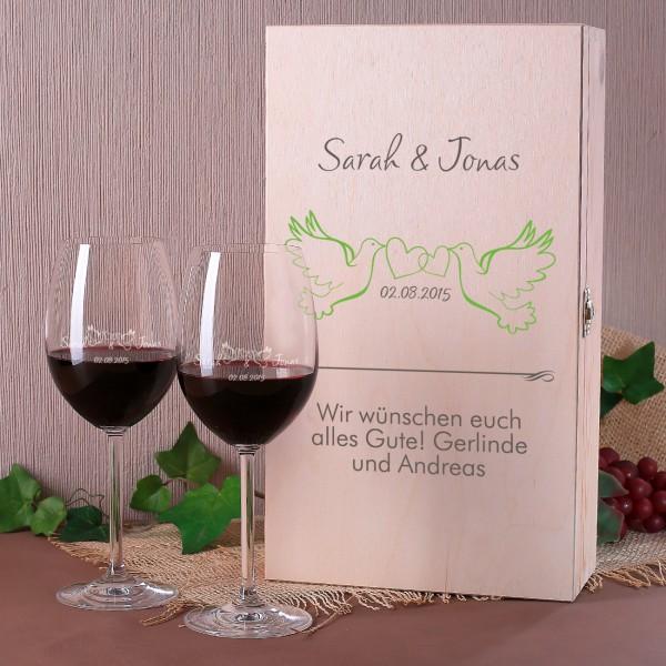 Set zur Hochzeit mit personalisierter Holzbox und zwei Weingläsern