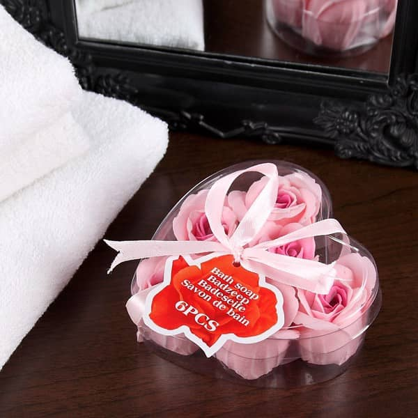 Dose mit Rosen als Badeseife