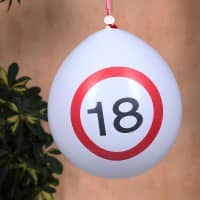 8 Luftballons Verkehrsschild 18