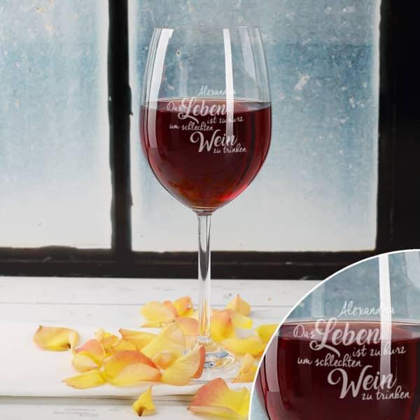 Weinglas mit Spruch und Name