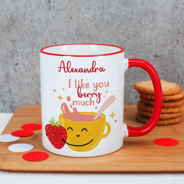 Tasse mit Henkel und Tassenrand in rot mit niedlichem Erdbeer Motiv