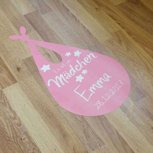 XL Fußbodenaufkleber 30x57cm Es ist ein Mädchen zur Geburt, mit Name und ...