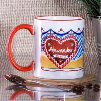 Tasse mit Oktoberfestmotiv und Name auf Herz