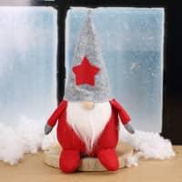 Filz-Weihnachtswichtel mit grauer Mütze