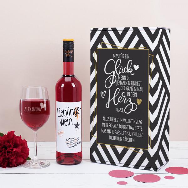 Geschenkset mit Weinglas und Wein zum Valentinstag, verpackt in Box