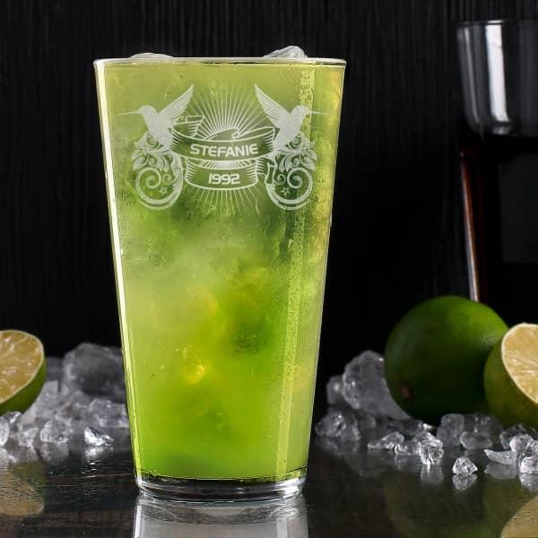 Hochwertiges Longdrink-Glas mit Wunschnamen graviert