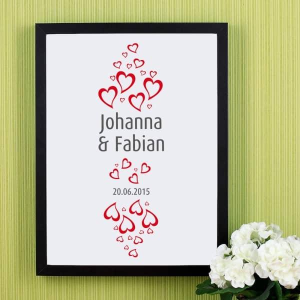 Wandbild zur Hochzeit mit Herzen, Namen und Datum
