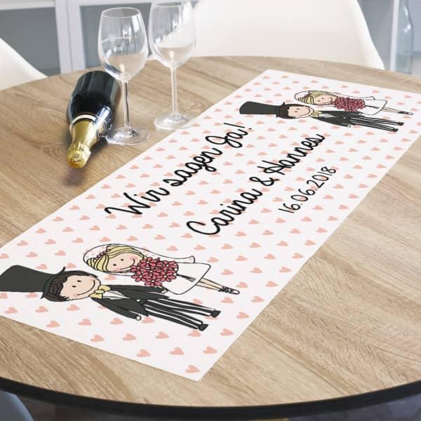 Tischlaufer Zur Hochzeit Mit Charmantem Comic Brautpaar Namen Und Datum