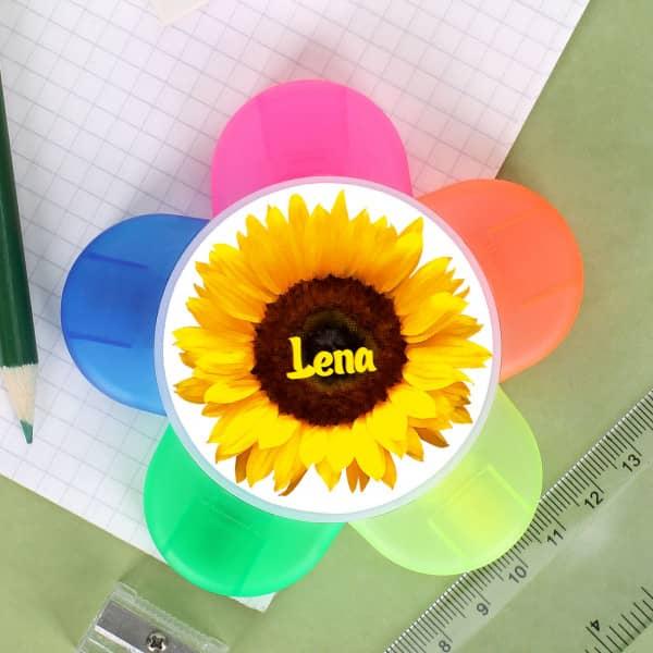 - Textmarker mit 5 Farben und Wunschname auf Sonnenblume - Onlineshop Geschenke online.de