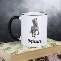 Tasse mit weißem Pferd und Wunschname