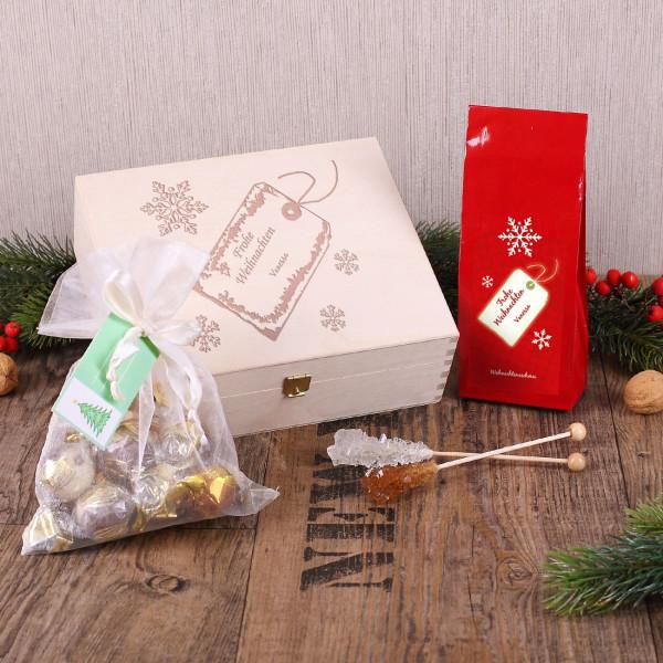 Geschenkbox zu Weihnachten mit Tee und Pralinen