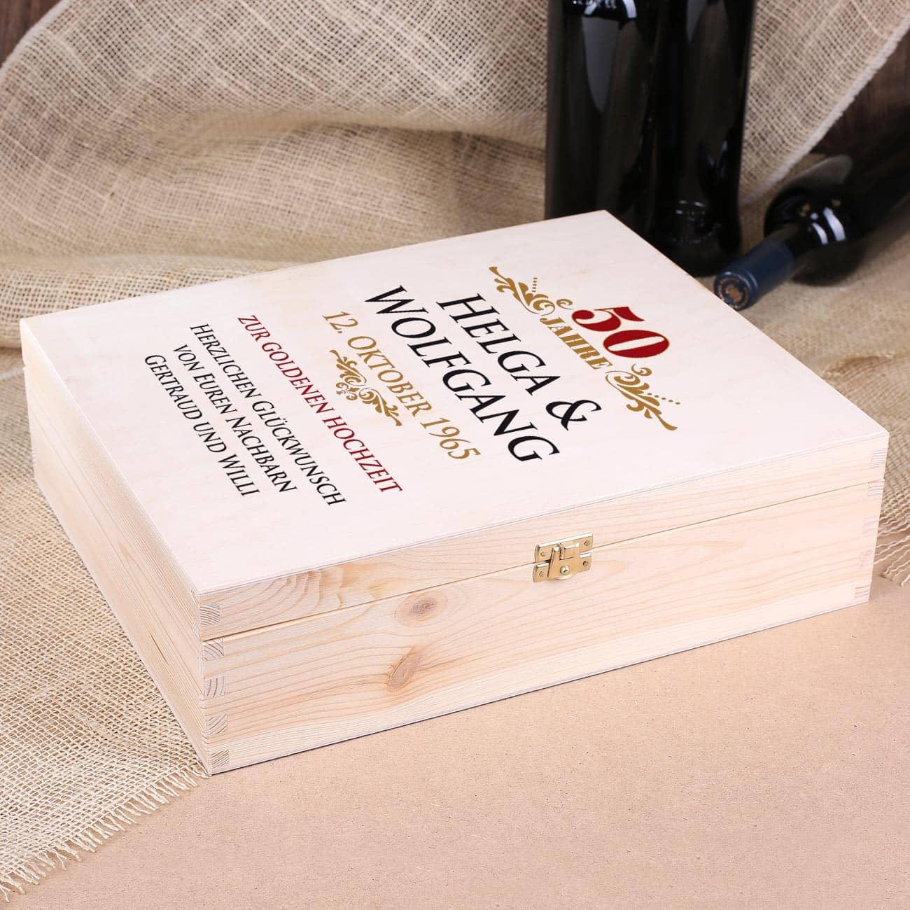 bedruckte holzkiste als geschenkverpackung zur goldenen hochzeit mit namen datum. Black Bedroom Furniture Sets. Home Design Ideas