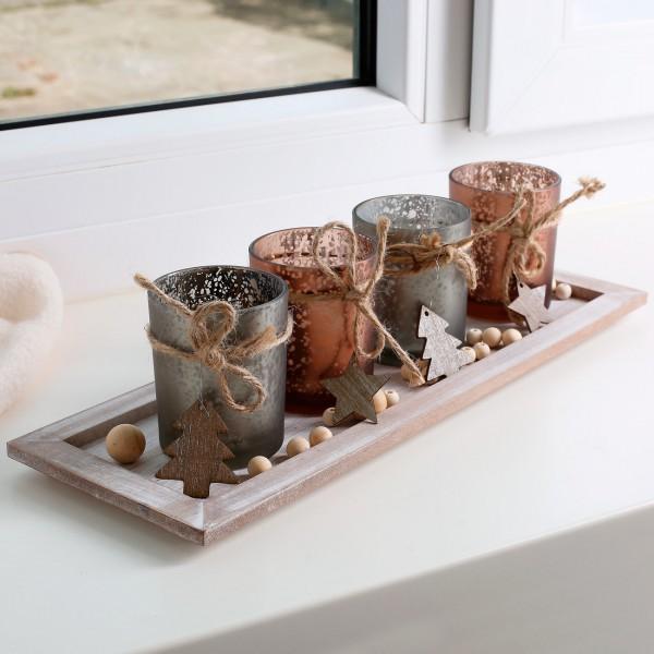 Holztablett mit Teelichtgläsern und Dekokugeln