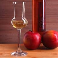 Graviertes Grappaglas mit Weinreben