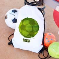 Weißer Turnbeutel mit grünem Fußball Motiv
