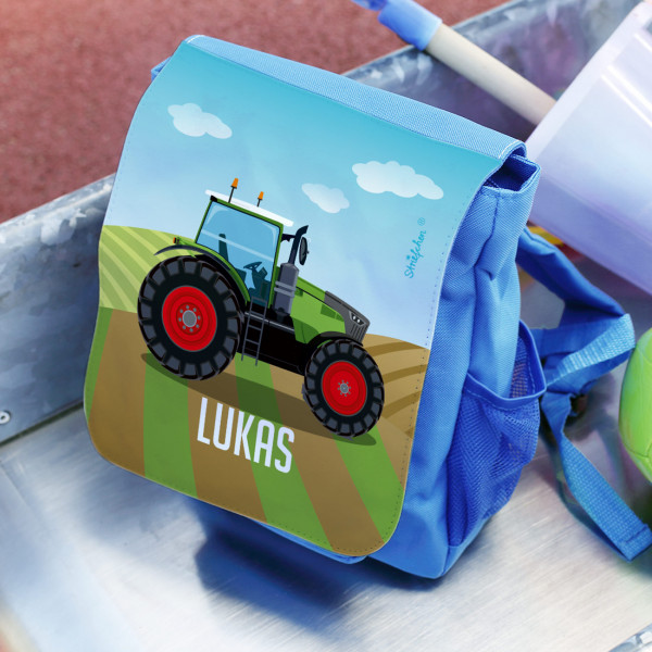 Kinderrucksack mit grünem Traktor und Name