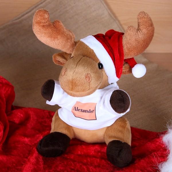 Weihnachtselch mit Mütze und T-Shirt