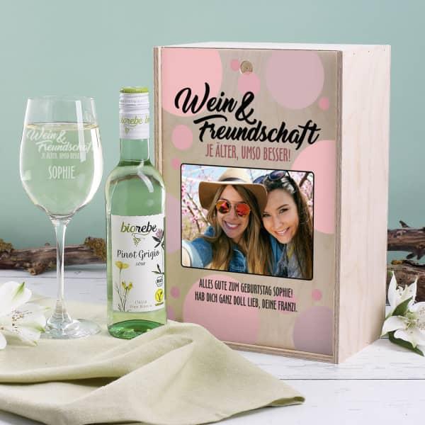 Weinset als Geschenk für die Freundin mir Biorebe Pinot Grigio
