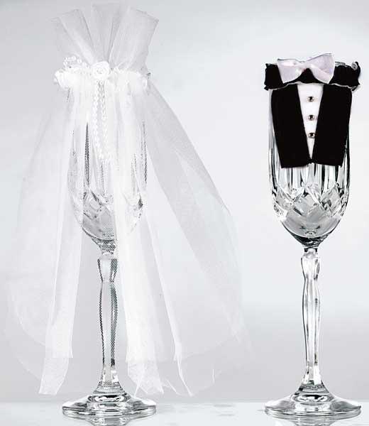 Sektglasdekoration für das Hochzeitspaar