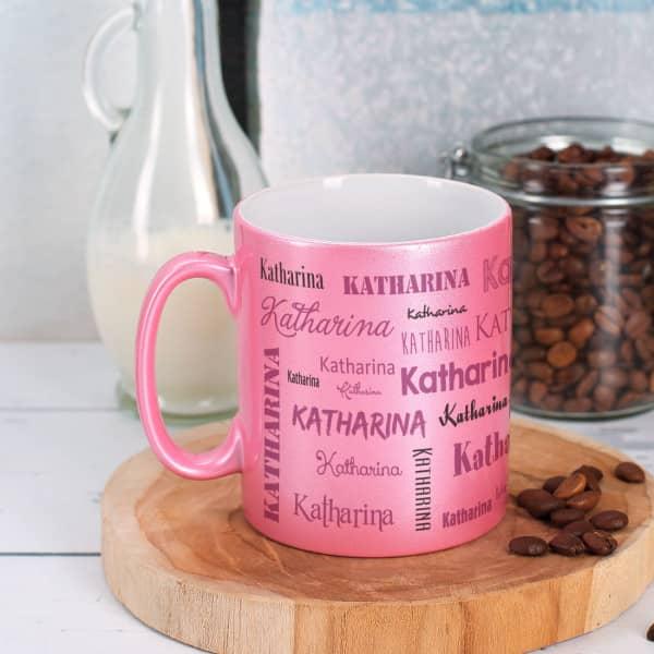 Rosa Tasse mit Namensaufdruck