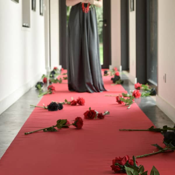 Roter Teppich aus Vlies
