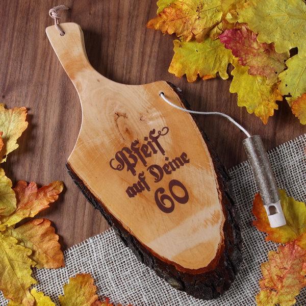 Griffrinde aus Holz mit Pfeife zum 60. Geburtstag