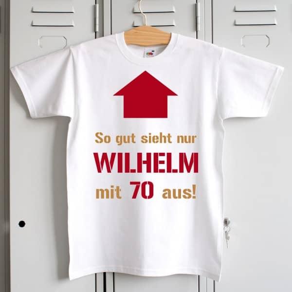 weißes T-Shirt zum Geburtstag mit Pfeil, Wunschname und Alter bedruckt.