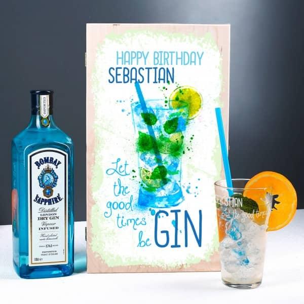 Gin Geschenk-Set mit Bombay Sapphire Gin und graviertem Glas in bedruckter holzbox