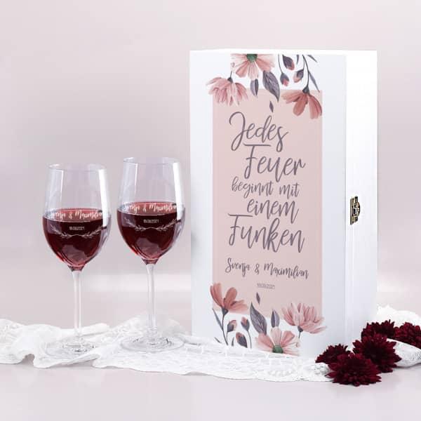 Hochzeitsgeschenk zwei Weingläser in Holzbox