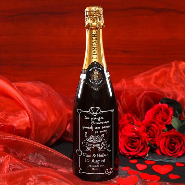 gravierte Champgnerflasche zur Hochzeit