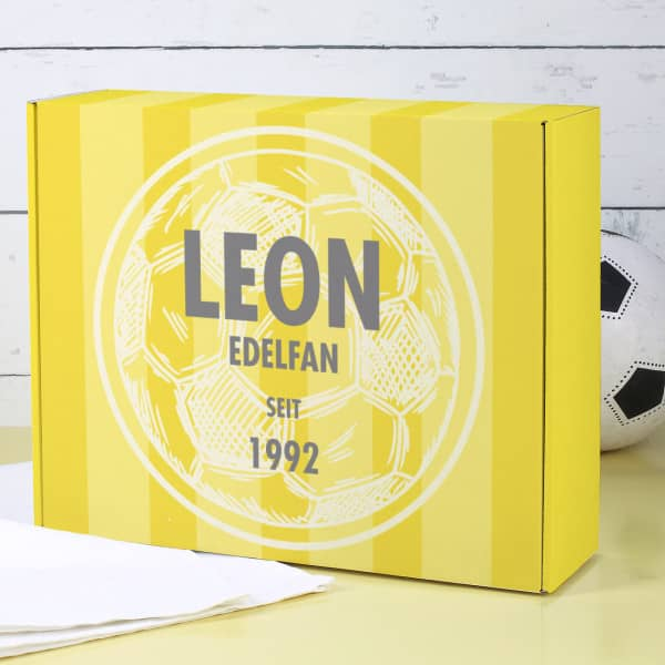 Persönliche Geschenkverpackung für Dortmund Fans in gelb und mit Fußball bedr...