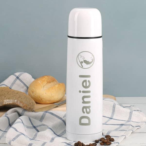 Weiße Thermosflasche mit schönem Anglermotiv