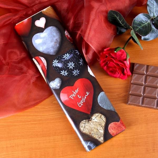 300g Schokolade mit großen Herzen und Wunschnamen zum Valentinstag