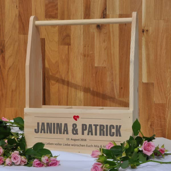Holzkiste mit Aufdruck für 3 Flaschen zur Hochzeit