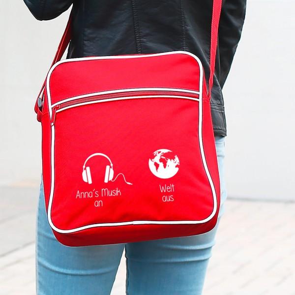 Retro Tasche mit Wunschtext und dem Aufdruck Musik an Welt aus